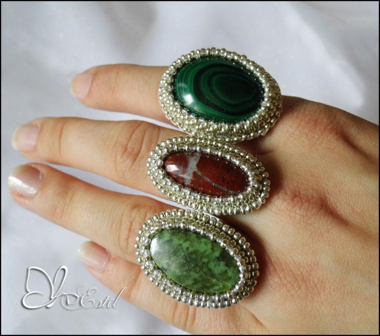 Кольцо камни бисер