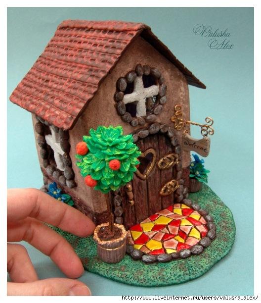 Сказочный домик из банки своими руками