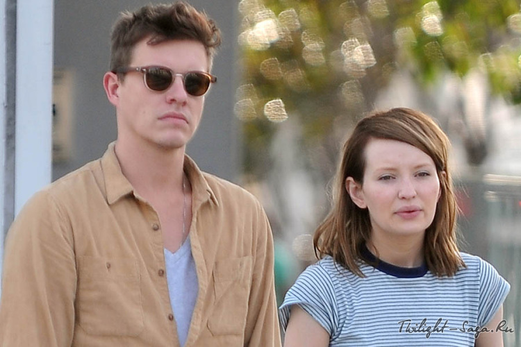 Xavier samuel and emily browning