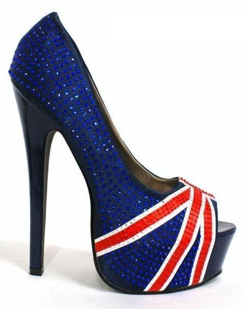 Фото красивой модной туфли